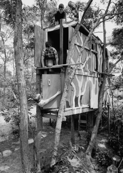 Children playing in a treehouse. Photograph by Arthur Schatz. Riverhead, New York, August 1967.