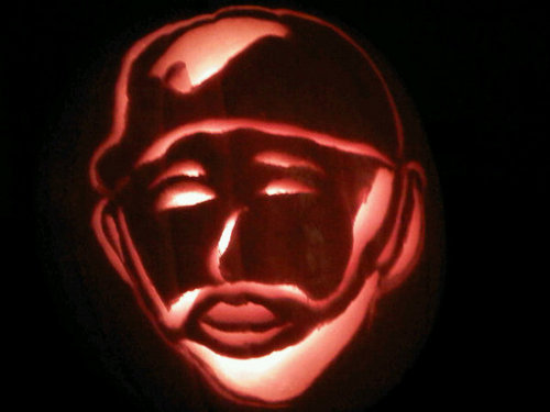 Joses new twit pic… his face carved into a pumpkin haha #beauty  This was the Jose Bautista Jay-O-Lantern I carved last year - and now Jose Bautista is using it as his new Twitter profile picture. Awesome!