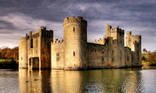 loversinengland:  Bodiam Castle - East Sussex