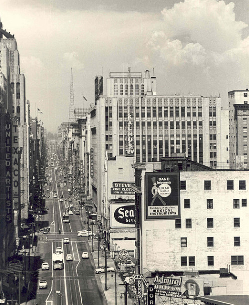 Broadway- late 1940s.  Look North on Flickr.Los Angeles