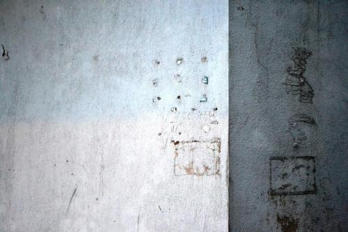 A minimalist photo made in the Albanian streets.