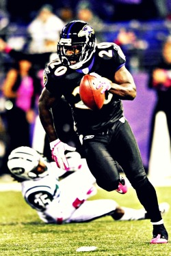hiramane:  Ed Reed…the best Safety…EVER.