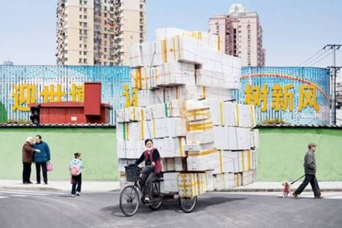 deluxeduck:  from the 'Totems' series by Alain Delorme, Shanghai 2009-2010.