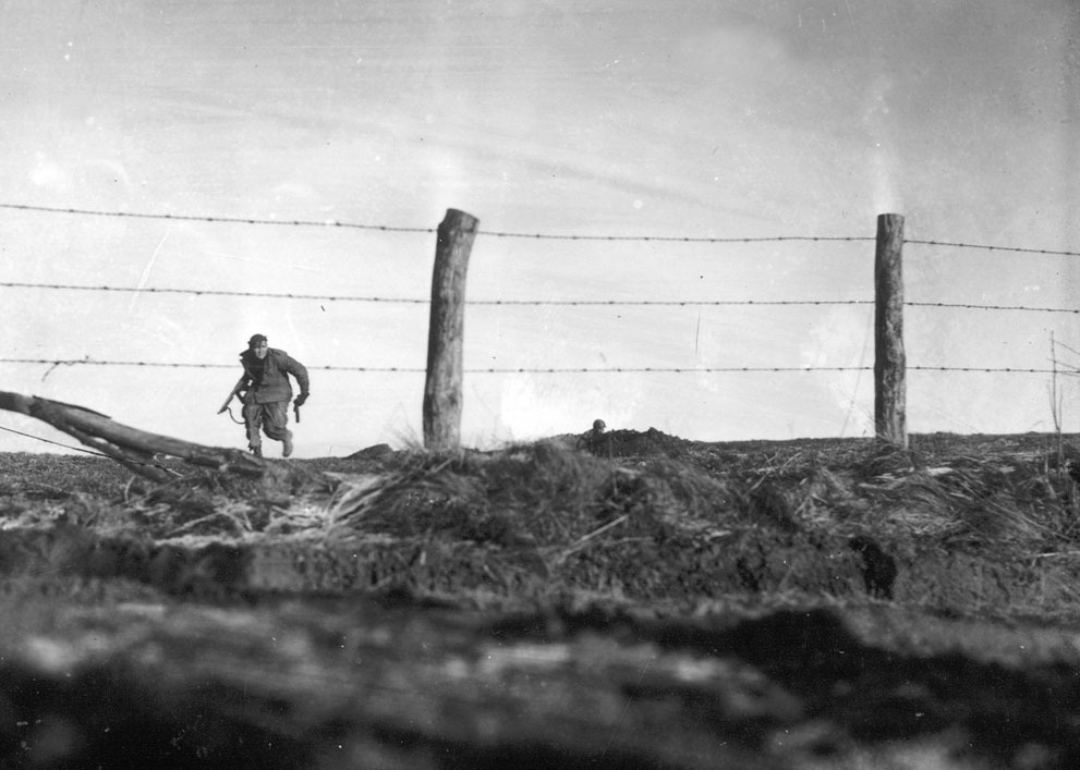 burnedshoes:  © AP Photo, Dec. 24, 1944, Infantryman, Bra / Belgium An infantryman from the U.S. Army's 82nd Airborne Division goes out on a one-man sortie while covered by a comrade in the background, near Bra / Belgium