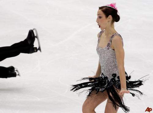 beautiful-shapes:  Meryl Davis and… Charlie White - 2009 OD, Happy feet I'm sorry, but I honestly love this pic