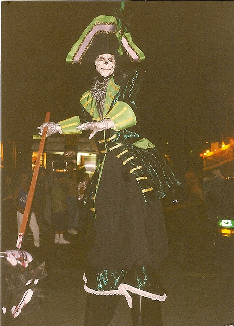 A stiltwalking skeleton in Halloween Horror Nights VIII's Festival of the Dead Parade.