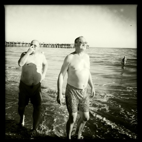 Belly Buddies John S Lens, Claunch 72 Monochrome Film, No Flash, Taken with Hipstamatic