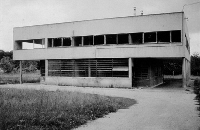 subtilitas:  Le Corbusier's Villa Savoye prior to the 1985 restoration, Poissy-sur-Seine 1931. Via.