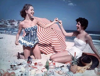 1950s Beachgirls.