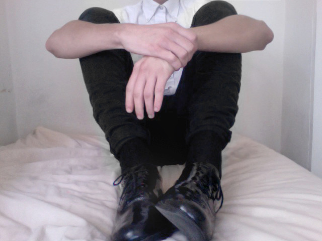 parkinq:  dullpale:  cripplinq:  ♡pretty&pale♡  why dont boys dress like this where i live  yeah same everyone seems to be so fab everywhere else except for straya.