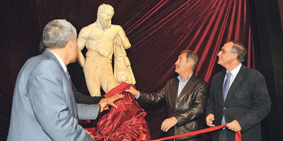 Reunited with other half, Heracles goes on display  Turkish Culture and Tourism Minister Ertuğrul  Günay on Sunday unveiled  the famous sculpture, Weary Heracles, whose  upper half had been on  display at the Museum of Fine Arts, Boston (MFA)  since 1982 and was only  recently returned to Turkey as part of a new  exhibit after the  reunification of the two parts in Antalya.