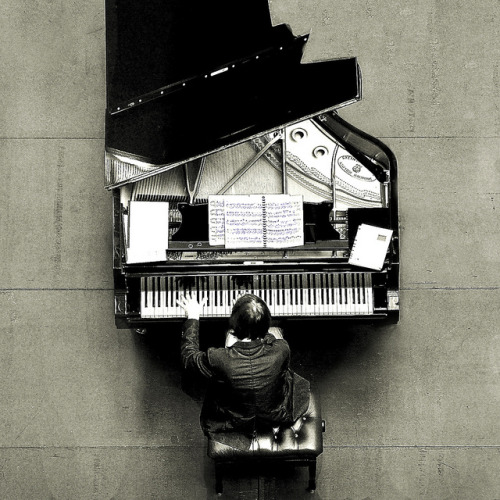 El pianista (Explore) by Fernando Nieto Fotografía (OFF) on Flickr.
