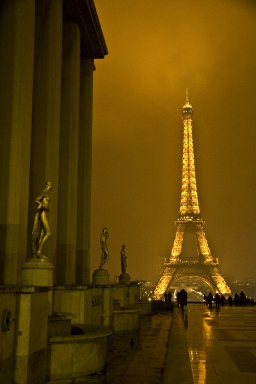 La Tour d'Eiffel Paris, France (via Places I wish to see / В Контакте | Фотографии)