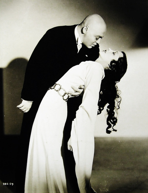 "vintagegal:  Peter Lorre and Frances Drake in ""Mad Love"" 1935"