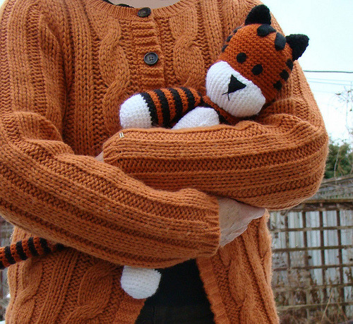 Does anyone who can crochet want to make me one of these? Click through for instructions. I await your package. (via sukigirl~~: Free Hobbes Crochet Pattern)