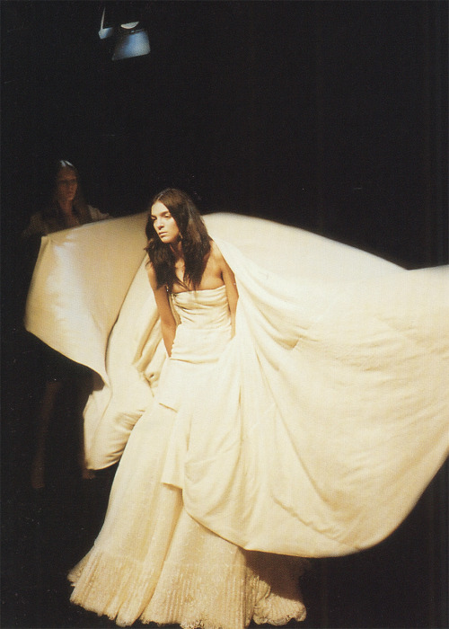 from Postcards from the Edge of the Catwalk Givenchy, Fall 2005 Haute Couture photographer: Iain R. Webb Mariacarla Boscono // thedoppelganger:cotonblanc