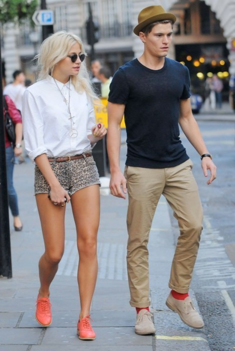 I'm absolutely in love with these two. I want her legs. <3