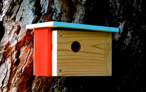 Now these utterly adorable birdhouses by Nathan Danials have gotten  us going totally gaga over the idea of hanging one around the house.  Anyone who has a private property with a tree in Singapore willing to  volunteer? We'll pay for the birdhouse! :) More at Nathan Danials' Etsy.