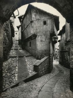 liquidnight:  Jean Dieuzaide Albarracín Spain, 1955 From Jean Dieuzaide: Yan
