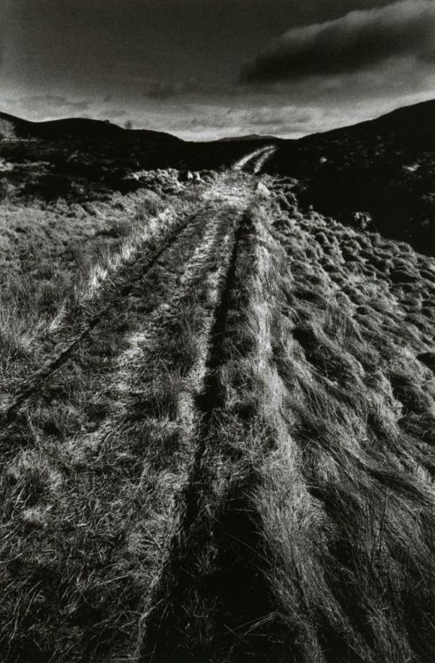liquidnight:  Jeanloup Sieff All roads lead to Inverness Scotland, 1972 From Jeanloup Sieff