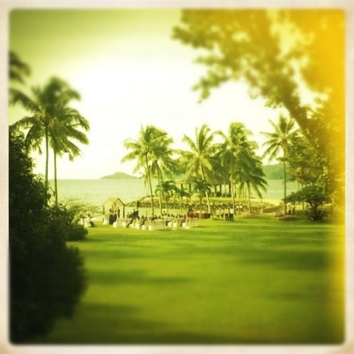 Wedding shmeding (Taken with Instagram at Shangri-La Tanjung Aru Beach Resort)