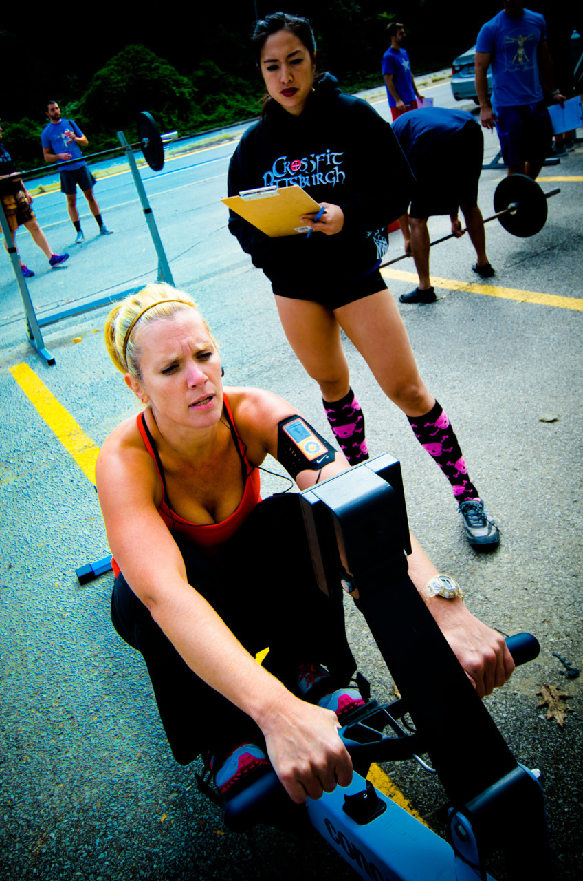 cf-photos:  Jenn Pietragallo, owner of Crossfit Pittsburgh, on round 3 of Fight Gone Bad 6.
