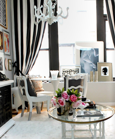 thedecorista:  black and white curtains for the win!