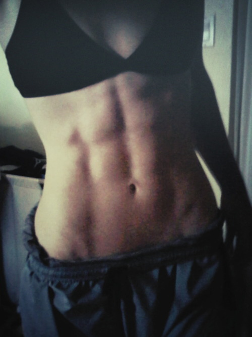 This is what your abs look like when you don't starve yourself. This is what your abs look like when you don't eat like shit. This is what your abs look like when you eat 2,500+ plant-based calories a day and workout.