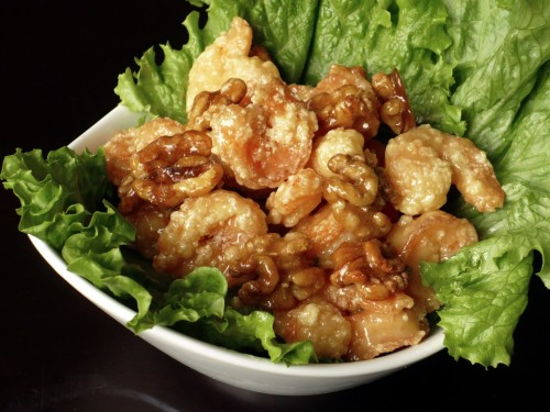 jenniheifer:  Honey Walnut Shrimp   Yo probé esto. NO sabe tan rico como se ve :P