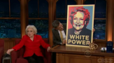 tellmewhenitsover:  thefrogman:  Betty White for prez!  Lol. Her face.   *Down Twinkles*