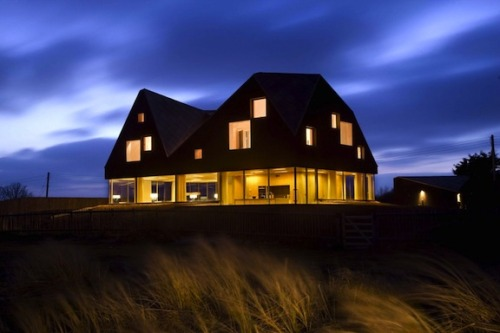 Dune House by  Jarmund/Vigsnæs Architects, Norway, and Mole Architects, UK.