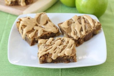 gastrogirl:  peanut butter apple bars.