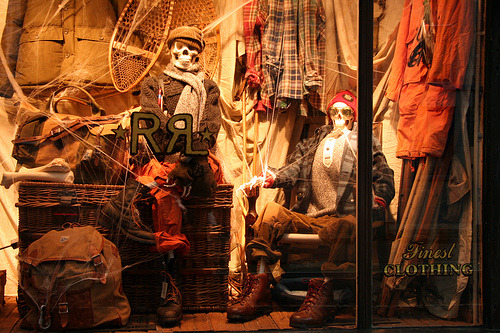 toohottohaddle:  A preppy Halloween - a Ralph Lauren window display at one of their Bleecker Street stores
