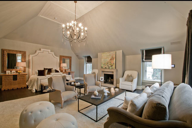 Classy Bedroom! Imagine if this room was yours, I know I would never leave!!