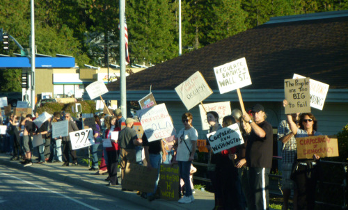Great turnout for the first Occupy Wall Street Nevada County. I estimate the crowd at approximately 300 people.
