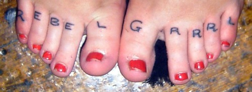 i kind of still really love my messy toe tattoos <3