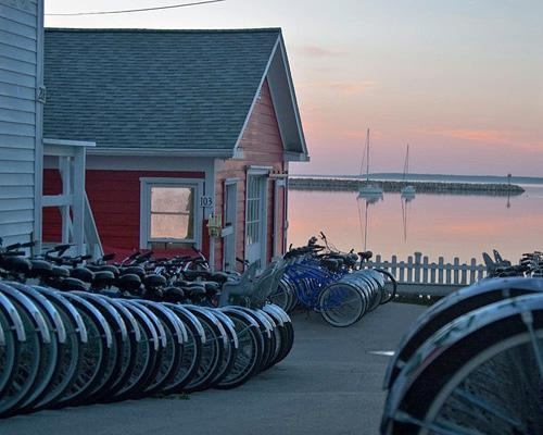 10 places in the U.S. where bikes and boats rule — and cars aren't allowed.