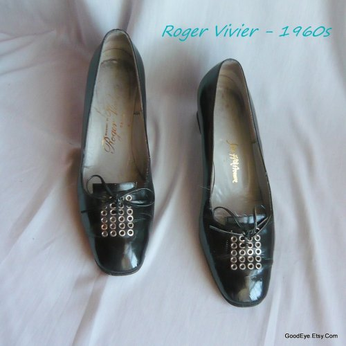 Collectible Vintage shoe icon…Roger Vivier…1960s mod era pumps..size 8.5 A  Eur39 UK6 @ www.GoodEye.Etsy.Com