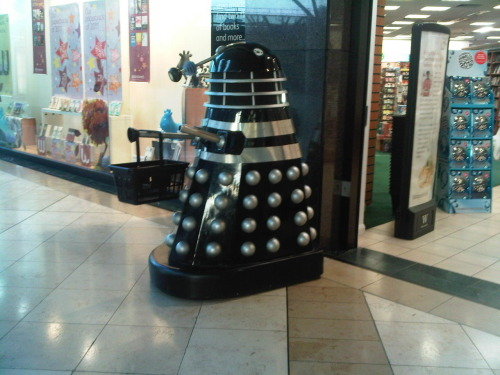 supersonicsonarradar:  MEANWHILE, IN BRITAIN  I saw a Dalek from the bus today. I think it was a balloon, and it appeared to be attached to the souvenir-type shop next door.