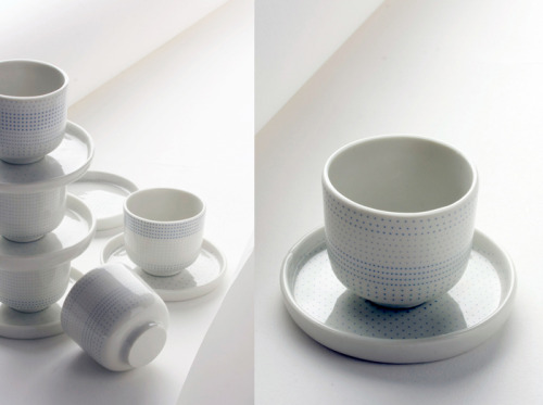 (via Bloesem) ceramic series of cups called dot.kom from Dutch graphic design artist, Isolde Venrooy