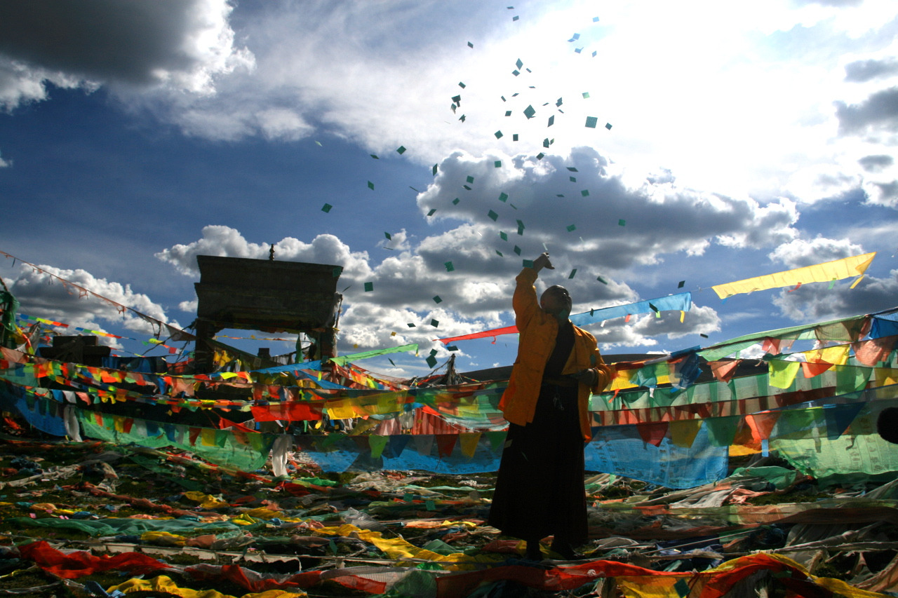 "Celebrating the beauty of TibetSeen through a photographer's lenses, Tibet makes for a compelling subject, with its vast green plains and locals dressed in vibrant traditional garb. It's not unusual to see all ages of monks on bicycles and horses — or pulling an Easy Rider. ""There's something unexpected and magical about seeing a monk stuck in traffic on a motorcycle smiling and waving to you as you're walking down the street,""  says Toronto-based physician/photographer Roman Elinson.Elinson was in Yushu, Tibet, in 2004 and again in 2007, as part of medical missions to provide care to Yushu's poor. According to international charity organization ROKPA, one doctor in Yushu cares for an average of 16,860 inhabitants. The photographs Elinson took on those missions are now part of an exhibition titled Beauty in Yushu, on at Toronto's Miles Nadal Jewish Community Centre."
