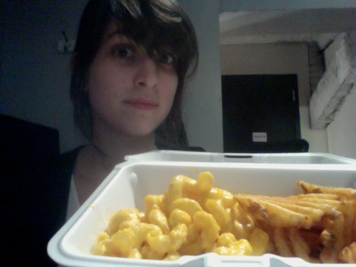 Class lunch of mac 'n cheese and waffle fries.