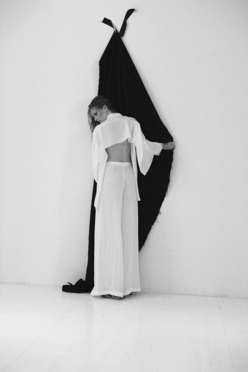 """Dusty Plains"" The Contributor, Fall 2011 Ph: Sacha Maric, m: Sofie Schwensen Stylist: Caroline Johansson"