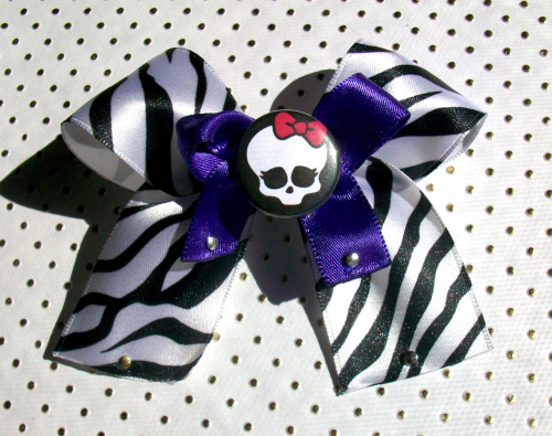 bowsbymindy:  Monster High (Inspired) Sassy Punk Zebra Print Bow