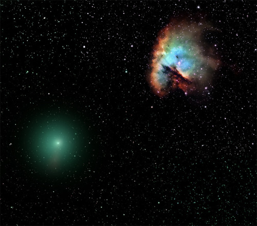 discoverynews:  Strangers In the Night — Comet and Nebula