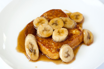 Bananas Foster French Toast // Recipe via SteamyKitchen