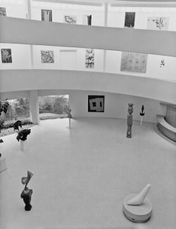Photography of the Guggenheim Museum in 1959.