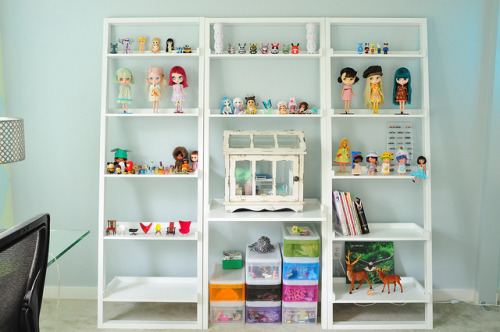 Dolly Shelf by jessi.bryan on Flickr.