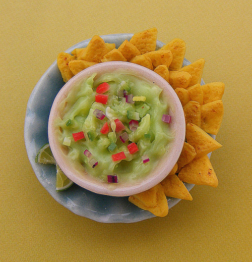 nomsnomnoms:  Mini Mexican Guacamole by Shay Aaron on Flickr.