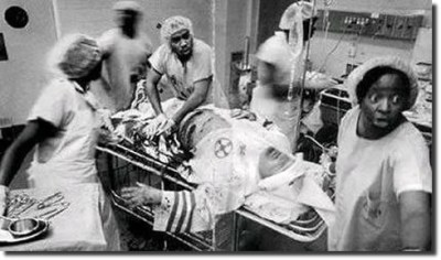 raqciudad:  African American doctors attempting to save the life of a Klu Klux Klan member: This photo left me speechless, this is what respect is.